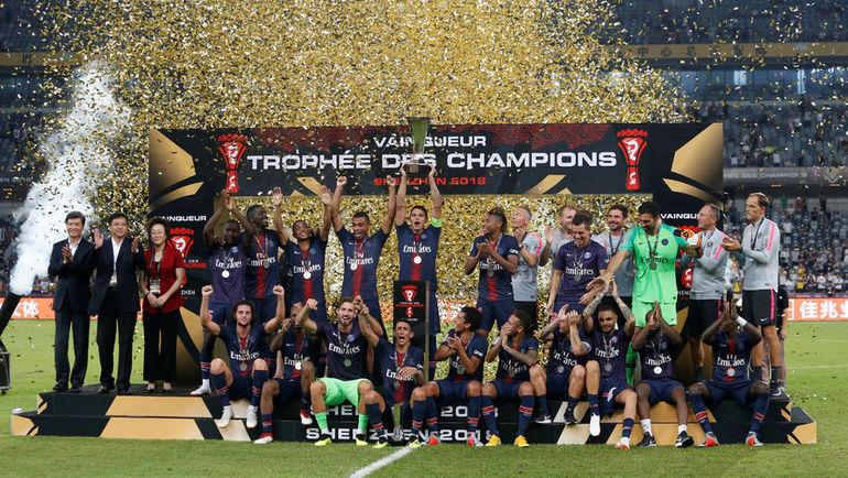 """4 августа. Шэньчжэнь. """"ПСЖ"""" – """"Монако"""" – 4:0. Парижане празднуют победу в Суперкубке Франции."""