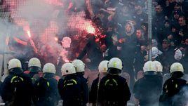 Полиция следит за поведением фанатов ПАОК.