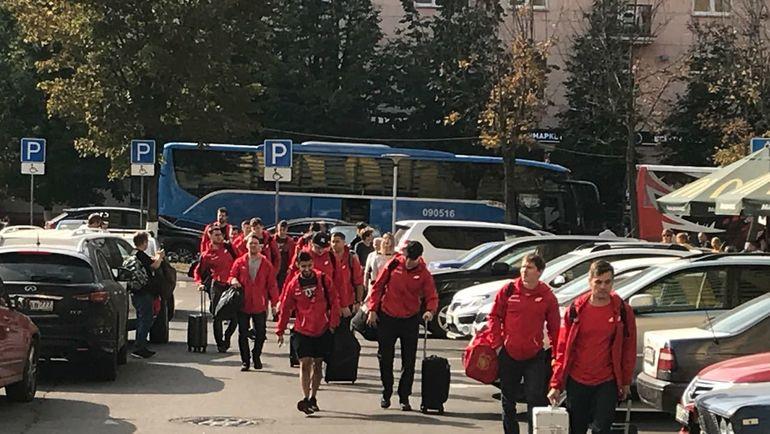 """Хоккеисты """"Авангарда"""" прибыли в Балашиху. Фото Алексей ШЕВЧЕНКО"""