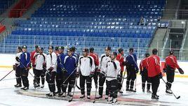 """Сегодня. Балашиха. Первая тренировка """"Авангарда"""" на льду местного стадиона."""