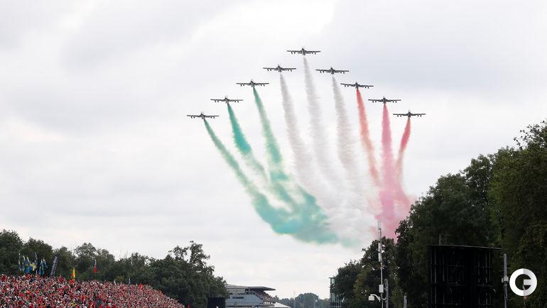 2 сентября. Монца. Гран-при Италии. Авиапарад перед началом Гран-при.