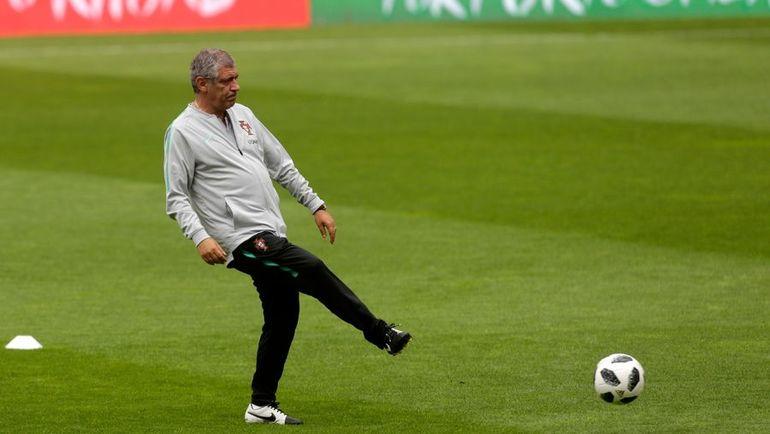Главный тренер сборной Португалии Фернандо Сантуш. Фото AFP