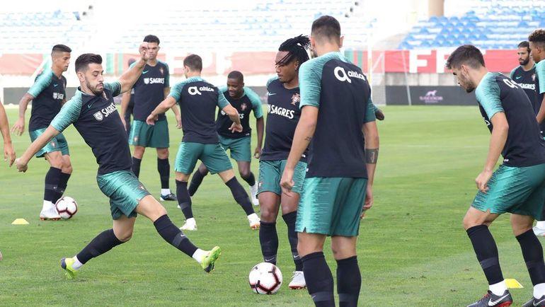 Сборная Португалии тренируется без Криштиану Роналду и девяти других участников ЧМ-2018. Фото twitter.com/selecaoportugal