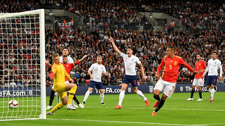 Суббота. Лондон. Англия - Испания - 1:2. 32-я минута. Родриго (№ 9) забивает победный гол. Фото Reuters