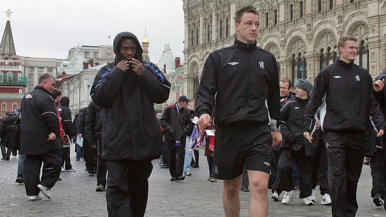 1 ноября 2004 года. Москва. Джон Терри на Красной площади. Фото Александр Вильф