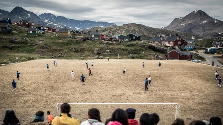 Поле из земли и камней. Фото Diarios de futbol