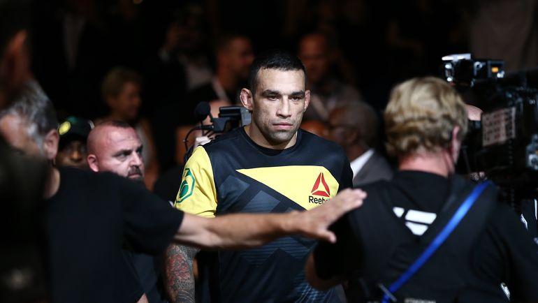 Экс-чемпион UFC отстранен отбоев надва года