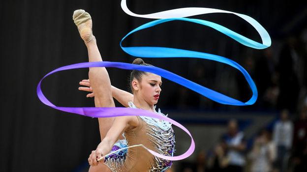 Чемпионат мира по художественной гимнастике. 13 сентября, Александра Солдатова выиграла упражнения с лентой, Арина Аверина - порвалась лента