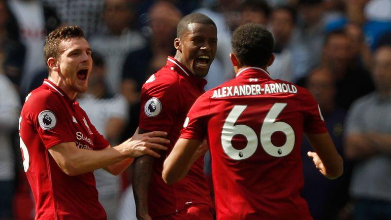 """15 сентября. Лондон. """"Тоттенхэм"""" - """"Ливерпуль"""" - 1:2. Футболисты """"Ливерпуля"""" празднуют пятую победу подряд. Фото REUTERS"""