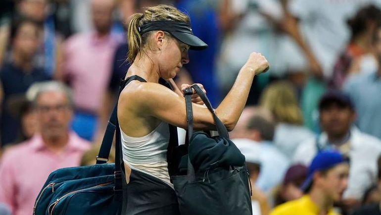 3 сентября. Нью-Йорк. Мария Шарапова покидает US Open-2018 после поражения от Карлы Суарес Наварро в четвертом круге. Фото AFP