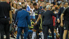 """19 сентября. Валенсия. """"Валенсия"""" - """"Ювентус"""" - 0:2. 29-я минута. Криштиану Роналду в слезах покидает поле после удаления."""