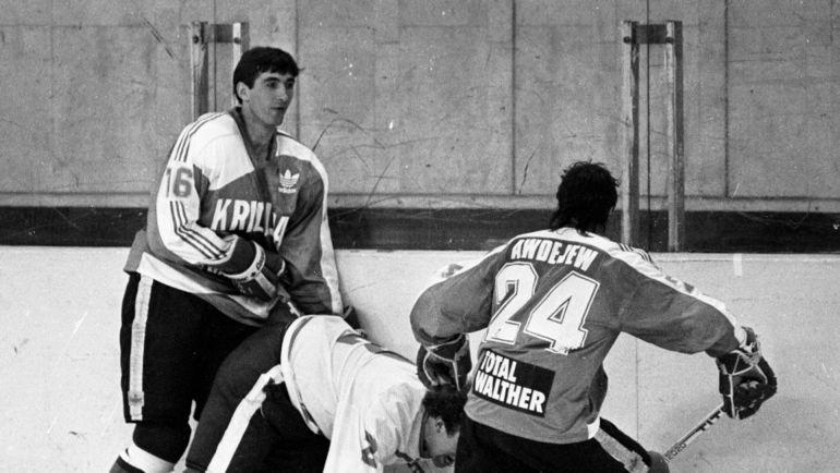 "1989 год. Александр Кожевников (слева). Фото Александр Федоров, ""СЭ"""