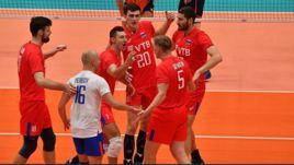 21 сентября. Милан. Голландия - Россия - 0:3. Волейболисты сборной России празднуют победу.