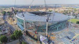 Наркотики, алкоголь и 3,8 миллиона фунтов в неделю. Как строят новый стадион