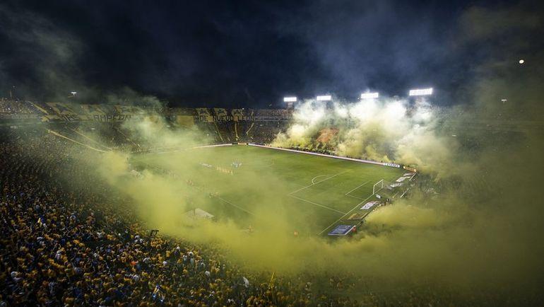 "Стадион во время матча ""Тигрес"" и ""Монтеррей""."
