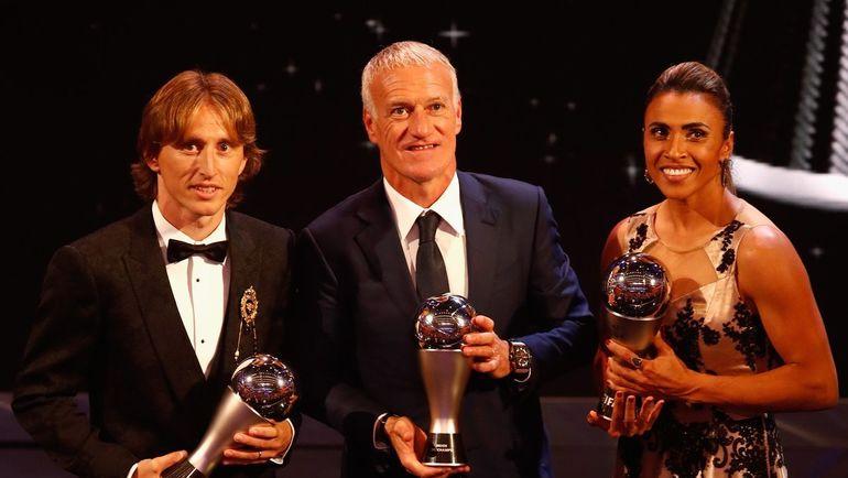 Лука Модрич (слева), Дидье Дешам и Марта.