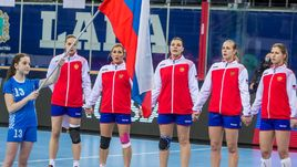 Гандболистки сборной России начинают новый поход за медалями.