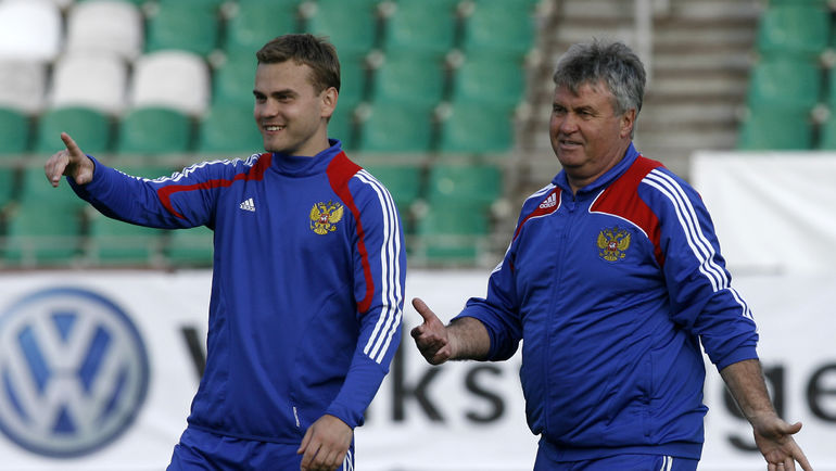 Игорь Акинфеев и Гус Хиддинк. Фото Александр Федоров, «СЭ»