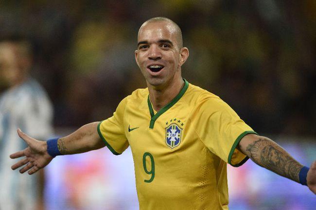 Бразильский нападающий Диегу ТАРДЕЛЛИ Фото AFP