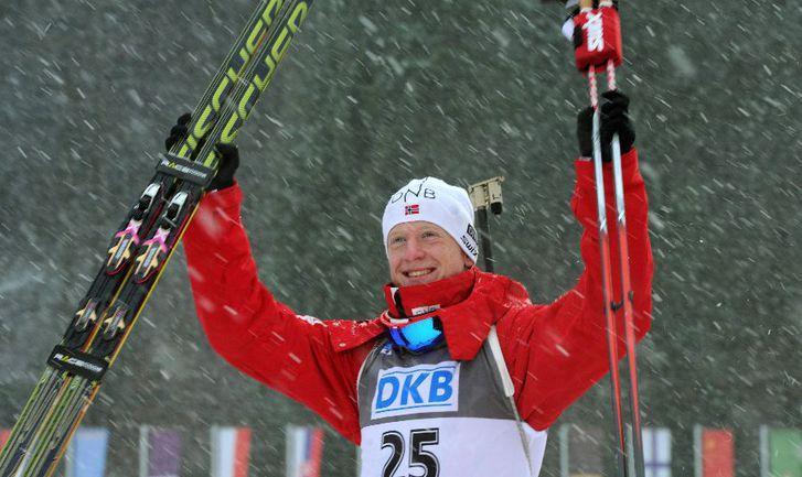 Норвежский биатлонист Йоханнес БЁ Фото AFP