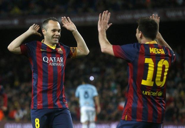 """Футболисты """"Барселоны"""" Андрес ИНЬЕСТА (слева) и Лионель МЕССИ. Фото Reuters"""