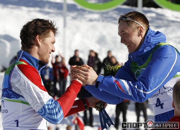 Никита КРЮКОВ (справа) и Александр ПАНЖИНСКИЙ принесли России первое золото и первое серебро соответственно, заняв верхние ступени пьедестала в индивидуальном спринте.
