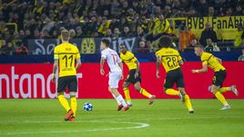 "3 октября. Дортмунд. ""Боруссия"" - ""Монако"" - 3:0. Александр Головин (в белом) отыграл 76 минут."