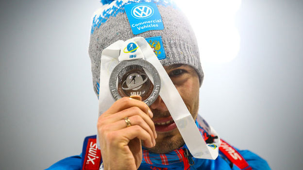 Антон Шипулин решил продолжить карьеру, российский биатлон последние новости