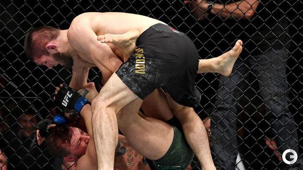 6 октября. Лас-Вегас. Главный бой турнира UFC 229. Хабиб Нурмагомедов и Конор Макгрегор. Фото Reuters