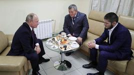 Путин поддержал Нурмагомедова. О чем они говорили?