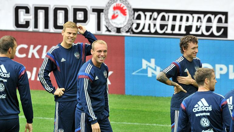 Александр Кокорин, Денис Глушаков и Павел Мамаев: им всем сейчас не до футбола. Фото Алексей Иванов