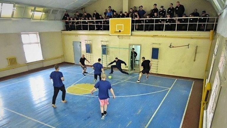 Кокорин и Мамаев избили человека, Кокорин и Мамаев в тюрьме, как футболистам тренироваться в СИЗО