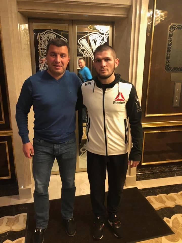 Арбитр Михаил Вилков вместе с Хабибом Нурмагомедовым. Фото Фейсбук Михаила Вилкова