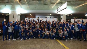 Юных чемпионов торжественно встретили в Москве