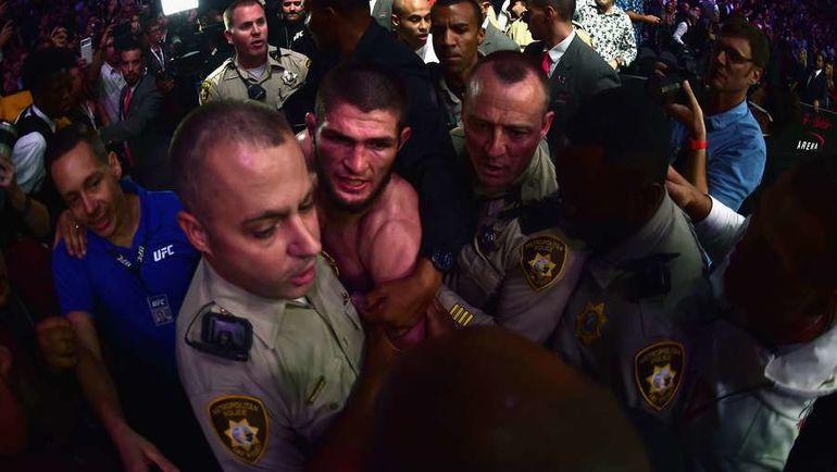 6 октября. Лас-Вегас. Хабиб Нурмагомедов в зале после боя с Конором Макгрегором. Фото AFP