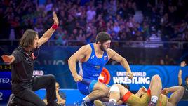 Россиянин Абдулрашид Садулаев взял реванш у лидера сборной США Кайла Снайдера.