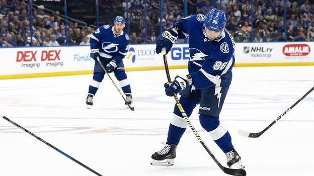Чемпионат НХЛ, что происходит в Тампе с Никитой Кучеровым
