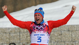 23 февраля 2014 года. Сочи. Марафон. 50 км. Александр Легков празднует победу.