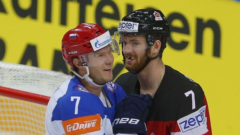 Дмитрий Куликов (слева) и Шон Кутюрье в финале Россия - Канада на ЧМ-2015. Фото REUTERS