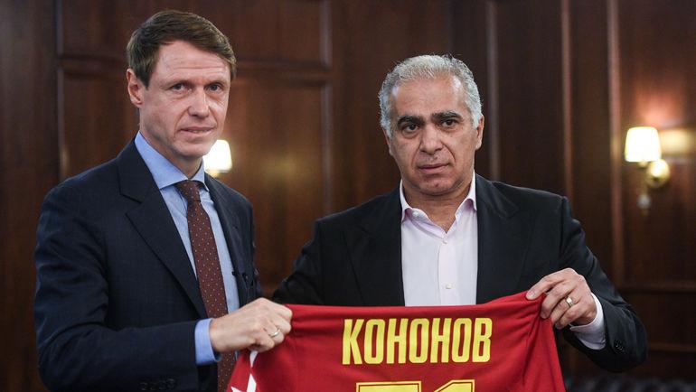 Гурам Аджоев (справа) и Олег Кононов. Фото Дарья Исаева, «СЭ»