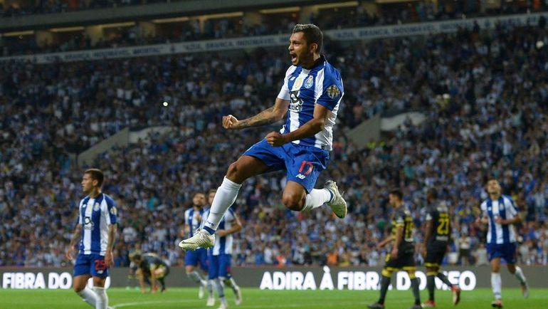 """Директор по маркетингу """"Порту"""" Тьяго Гувейя рассказал, как можно заработать на футболе в городе с населением 300 тысяч человек. Фото AFP"""