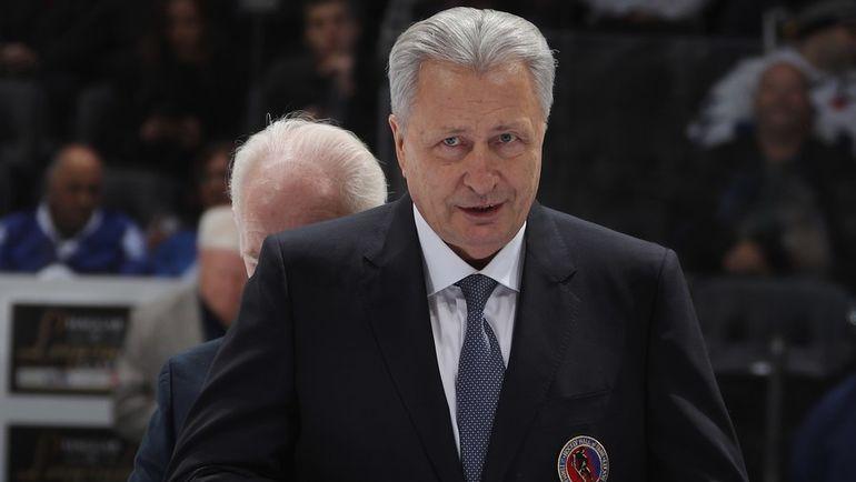 11 ноября. Торонто. Александр Якушев - в Зале хоккейной славы. Фото AFP