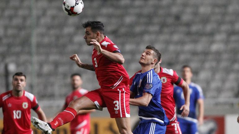 Автор первого гола сборной Гибралтара в официальных матчах Джозеф Чиполина (№3). Фото REUTERS