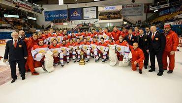 Молодежная сборная России по хоккею после победы в Суперсерии-2018.