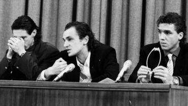 25 декабря 1993 года. Москва. Александр Мостовой, Игорь Шалимов и Сергей Юран (слева направо) на пресс-конференции, посвященной их отказу играть за сборную России.
