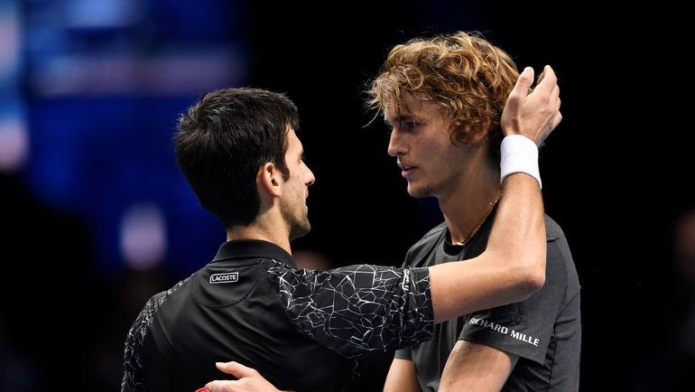 18 ноября. Лондон. Александр Зверев (справа) и Новак Джокович. Фото Reuters