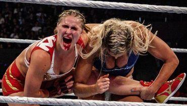 Такую Ронду Роузи вы не видели даже в UFC. Что сделал с красавицей рестлинг