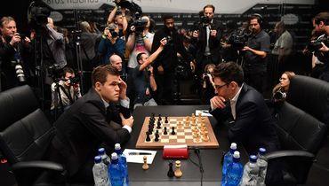 Шахматисты наиграли на историю. Десять ничьих подряд