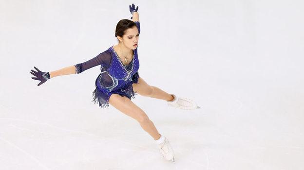 Гран-при Франции-2018 по фигурному катанию, Евгения Медведева занимает третье место после короткой программы