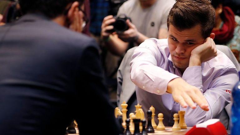 28 ноября. Лондон. Магнус Карлсен побеждает Фабиано Каруану.. Фото AFP